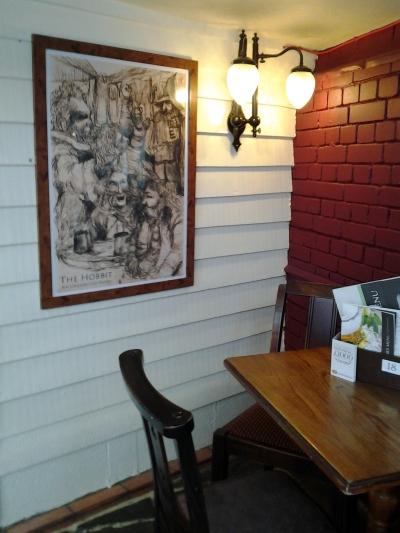 aprilyamasaki.com // A quiet corner at the Eagle and Child pub