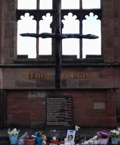 aprilyamasaki.com // Coventry Cathedral altar