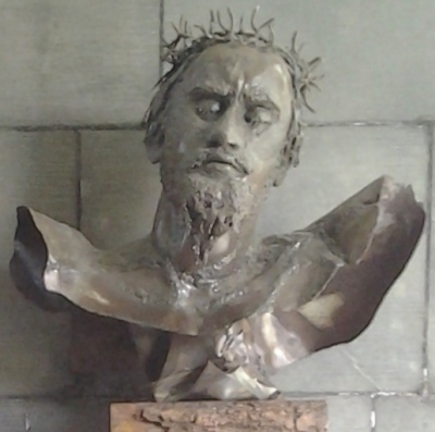 aprilyamasaki.com // Coventry Cathedral, Sculpture by Helen Huntingdon Jennings