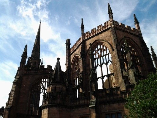aprilyamasaki.com // Coventry Cathedral ruins