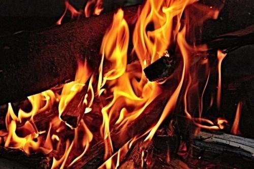 fire-184885_640 (600x401)